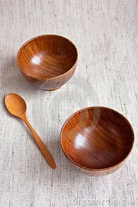 wooden-bowls-13536898